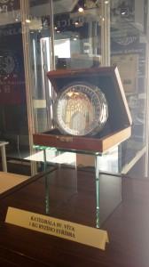 Pamětní medaile 670. výročí založení katedrály sv. Víta od Národní Pokladnice